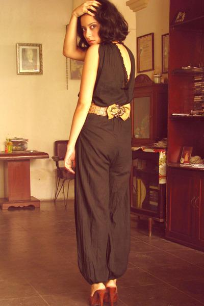 brown shoes - black jumpsuit - beige belt