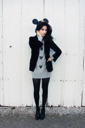 silver unknown sweater - black suede vintage blazer