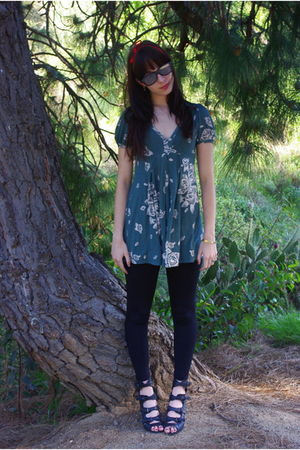 green lux uo dress - black leggings - black Forever 21 shoes - gray glasses - go