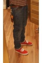 WEE ninja hanging off my jeans :D