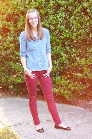 blue chambray Old Navy shirt - maroon bordeaux Macys jeans