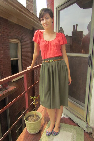 red banana republic top - olive green vintage skirt - light brown thrifted belt