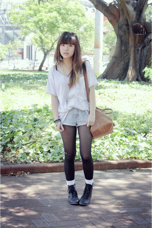 boots - rubi tights - bag - Guess shorts - diva necklace - cotton on t-shirt