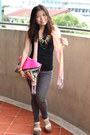 Hot-pink-bubbles-bag-black-mango-top