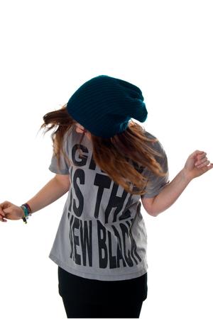 gray H&M t-shirt - Indiska hat