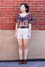 Beige-safari-h-m-shorts-carrot-orange-butterfly-crop-h-m-top