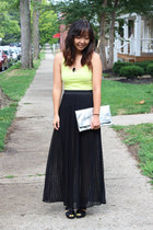 black pitaya skirt - yellow H&M top