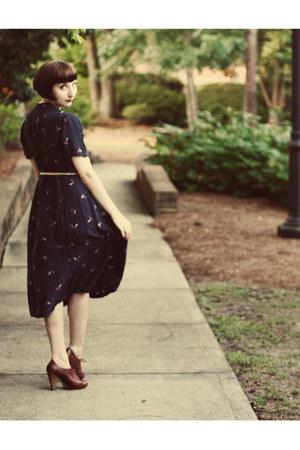 Vintage Thrifted dress - Forever21 belt - seychelles heels