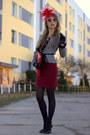Red-stradivarius-skirt-black-zara-blouse