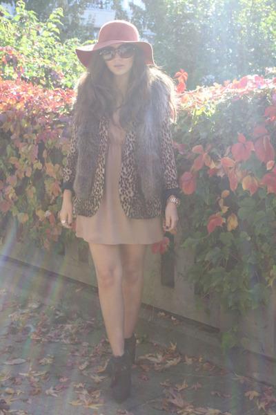 brown leopard print Zara blazer - beige Underground Flower dress