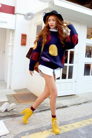 navy sweater - yellow boots - black hat - white shirt - mustard bag