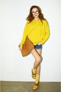 Yellow-sweater-navy-shorts