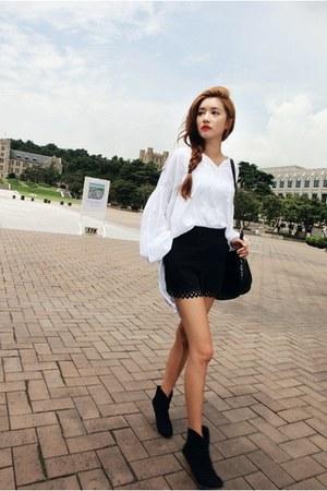 black heaven boots - white Style Nanda shirt