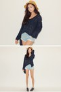 Light-blue-shorts-navy-top
