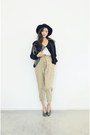 Dark-gray-jacket-beige-pants