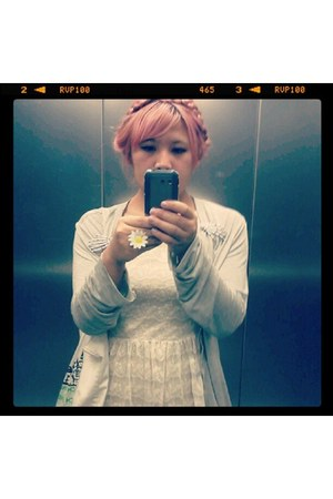 white lace H&M dress - bubble gum hairrrr accessories - silver - cardigan