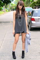 black Sundae top - black Forever 21 - black Mango shorts - gray Devon socks - bl