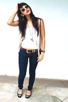 white - beige Express vest - red belt - Zara - black Michael Kors - Ray Ban