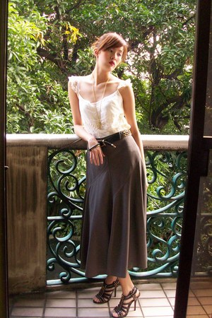beige lace Zara top - vintage skirt