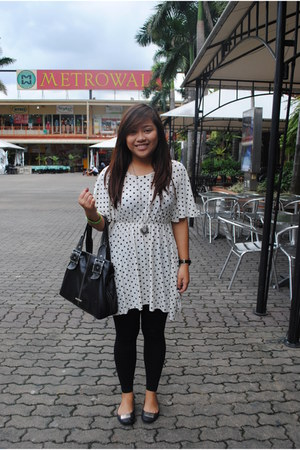 polka dots thrifted dress - black Greenhills tights - Nine West bag - black sm d