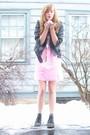 Black-delias-jacket-pink-2nd-hand-dress-black-ebay-boots