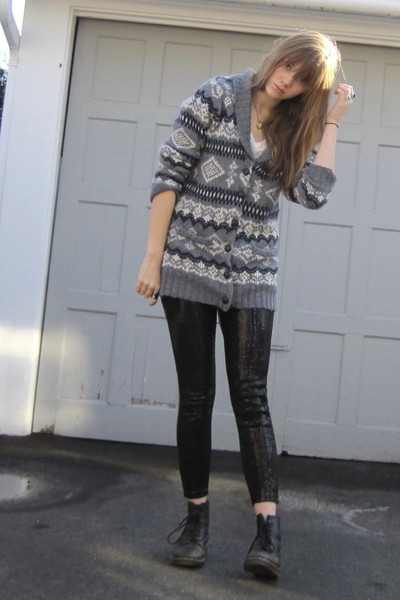gray f21 sweater - black H&M leggings - black doc martens boots