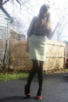 brown top - green skirt - red shoes