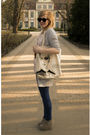 Black-glasses-beige-purse-beige-shoes-leggings-silver-cardigan-shirt
