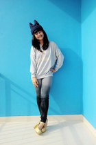 sick girl GOWIGASA sweater - dyed Guess jeans - gold junejulia wedges