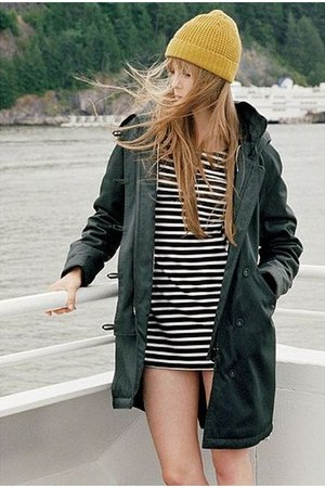 forest green Urban Outfitters coat