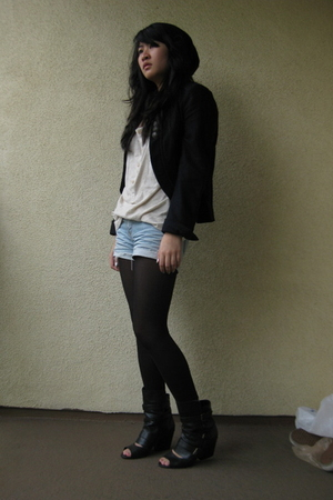 Forever 21 blazer - Urban Outfitters t-shirt - Forever 21 shorts - tights - Urba