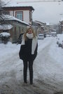 White-pull-bear-scarf-black-motivi-coat-black-zara-boots-black-zara-gloves