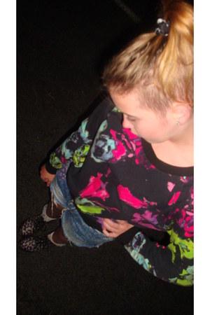 black floral doc martens boots - black painted Mink Pink sweater - blue cut off