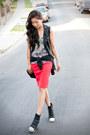 Burnout-tank-uo-top-forever-21-skirt-esley-collection-vest