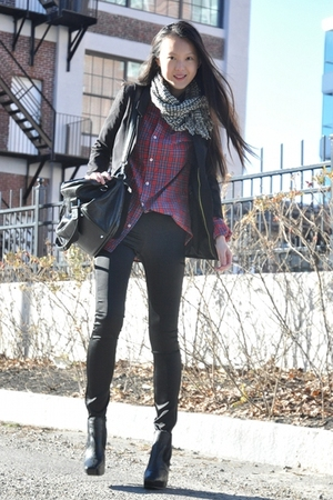 black H&M blazer - black sam edelman shoes - red H&M shirt - black H&M pants