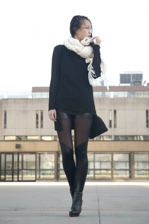 black alternative shirt - black online shoes - black Black Milk leggings