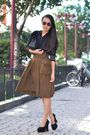 Black-vintage-blouse-black-chanel-bag-black-shoes-green-h-m-skirt-purple