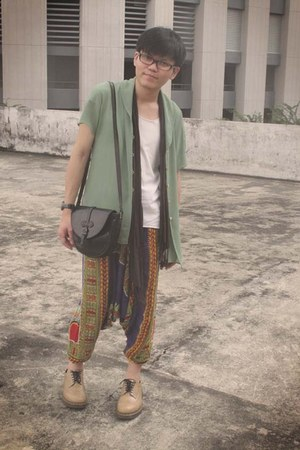 Thrifter top - wing tip doc martens shoes - harem pants Sri Lanka pants