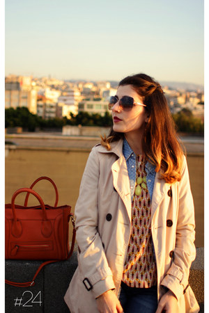 burnt orange print H&M top - beige trench coat Stradivarius coat
