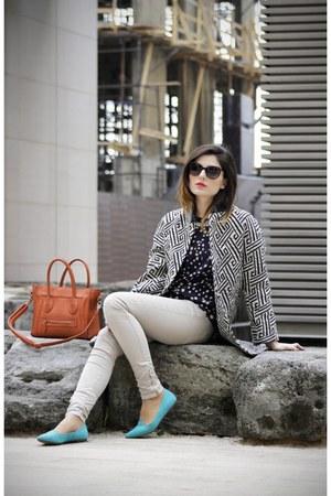black Zara coat - periwinkle skinny jeans Bershka jeans