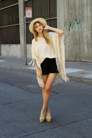 beige vintage via Chic Swap hat - beige Zara dress - black Forever 21 shorts