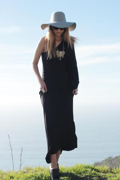 black nastygal dress