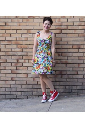 blue modcloth dress - red Converse shoes