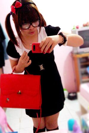 dress - accessories - shoes - socks - purse - accessories