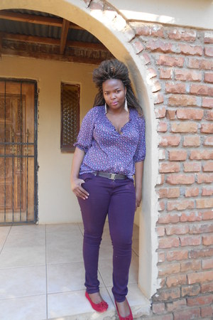 floral Edgars blouse - purple Jay Jays jeans - red Legit pumps - earrings