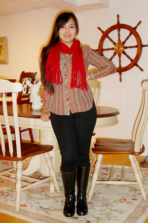 black twentyone pants - rain-winter Michael Kors boots - ruby red knitted scarf