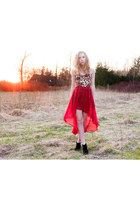 red assymetric skirt - leopard top - black suede Jeffrey Campbell wedges