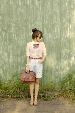 ruby red pull&bear bag - nude shirt - light blue thrifted shorts