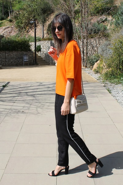 Zara sandals - Bershka bag - asos sunglasses - Zara pants - Zara sweatshirt
