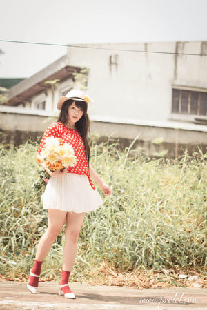 red floral print sammydress dress - eggshell cotton on hat